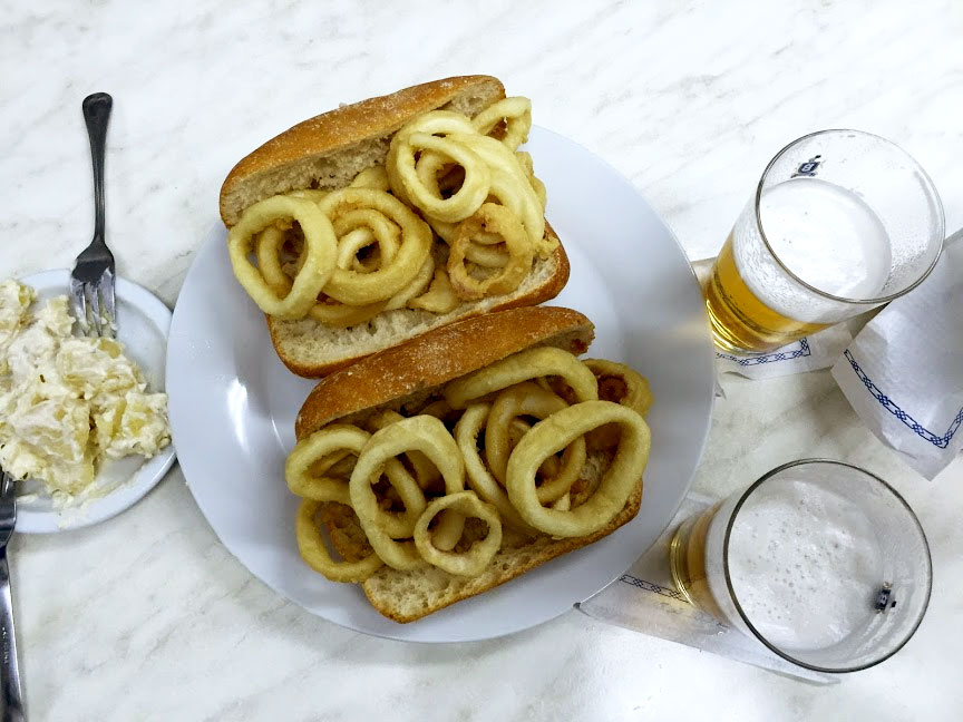 Squid sandwich in Madrid, by CÚRATE Trips