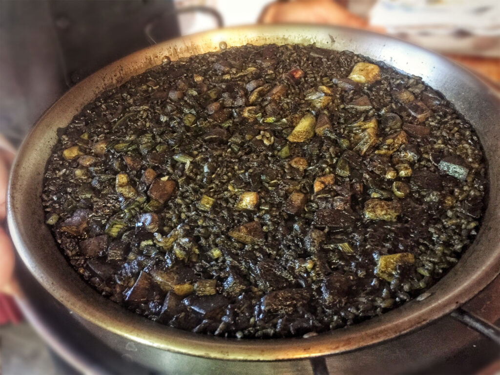 What is paella? Black rice from Spain, is it paella?