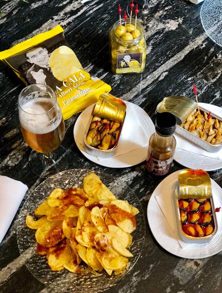 Vermouth hour and canned food, CÚRATE Trips