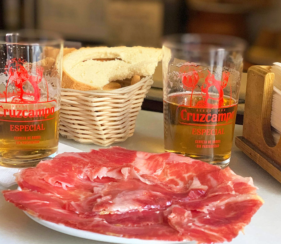 Best known tapa: Iberian ham, Paladar y Tomar