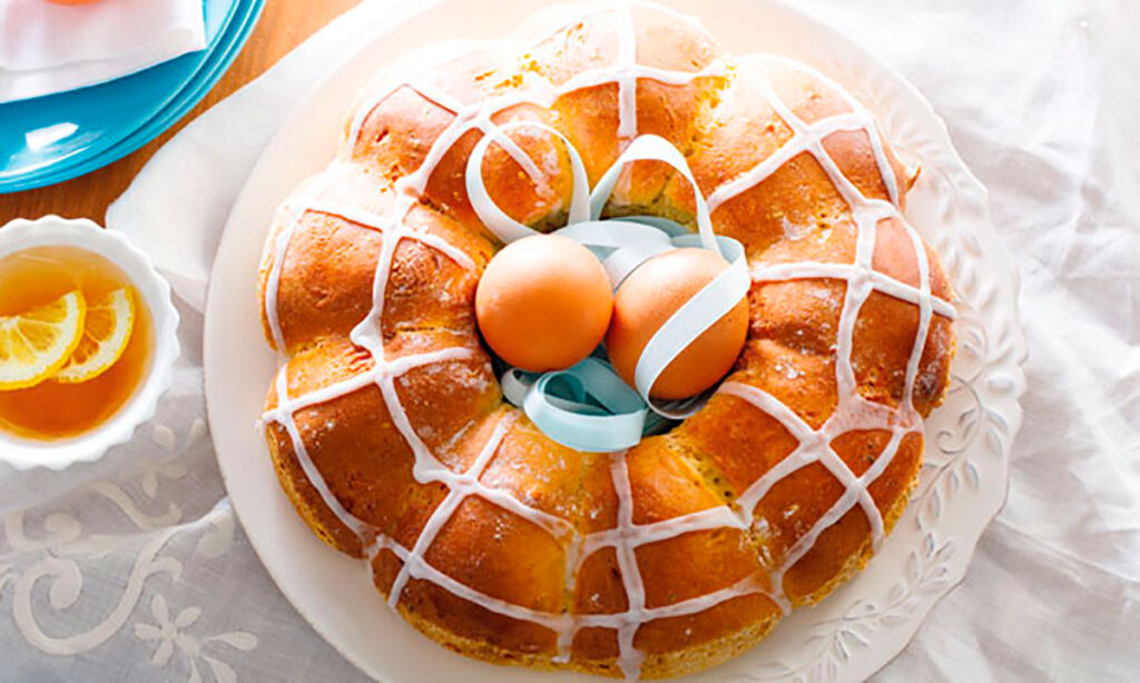 Folar, typical Easter dessert in Portugal, CÚRATE Trips