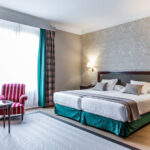 Double cozy and fully equipped room at Hotel Carlton Bilbao, Cúrate Trips