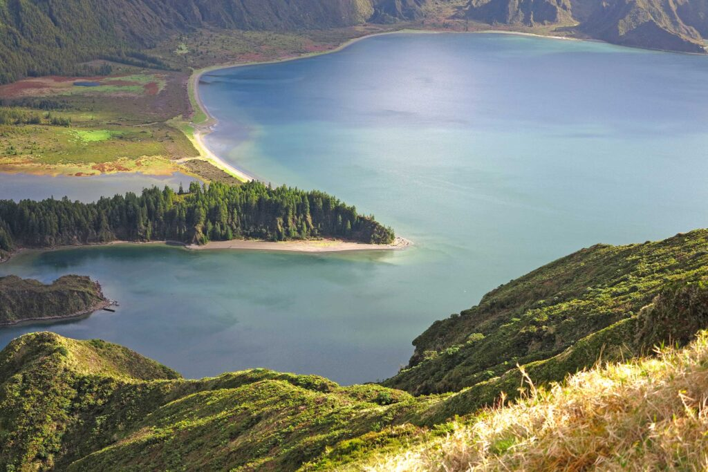 Lagoa do Fogo in Azores, overwhelming landscapes, discover them with Paladar y Tomar